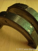 Replacing the front brake shoes